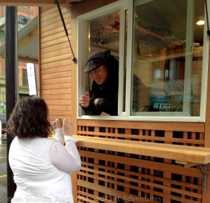Mama Chow's Food Cart - Jeff Chow and Teri with the All Jarred Up Food Cart