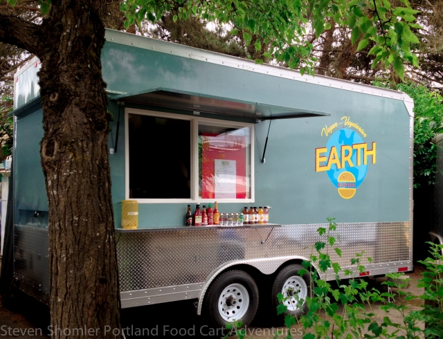 Earth Burgers Food Cart-2