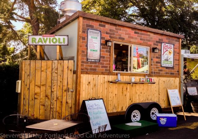 Lou's Toasted Ravioli Food Cart-1